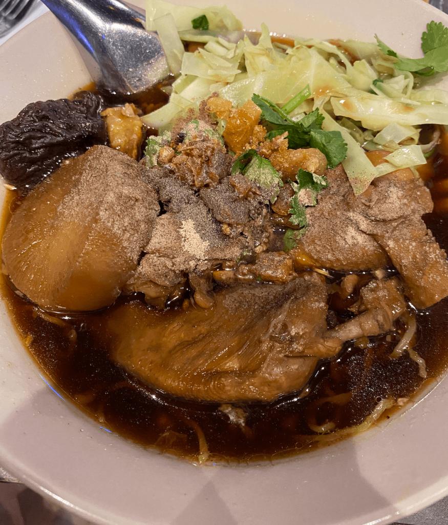 thai town, pad thai, chicken boat noodle soup, melbourne